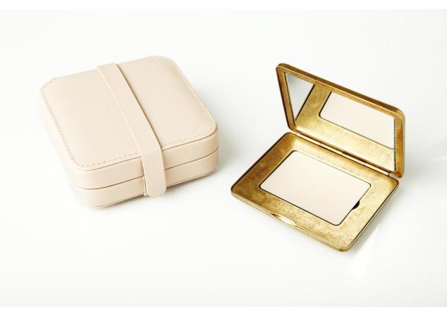 Perfume_solido_compacto_bv_en_baja