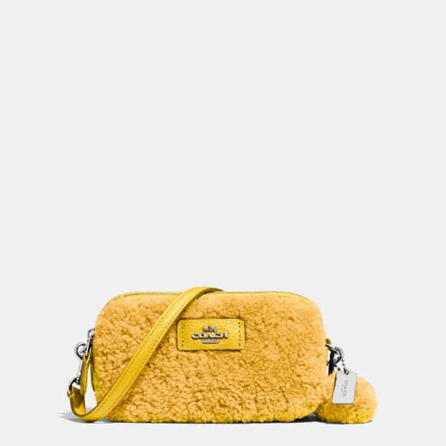 53551 Coach Shearling Crossbody Pouch Banana 135GBP ii