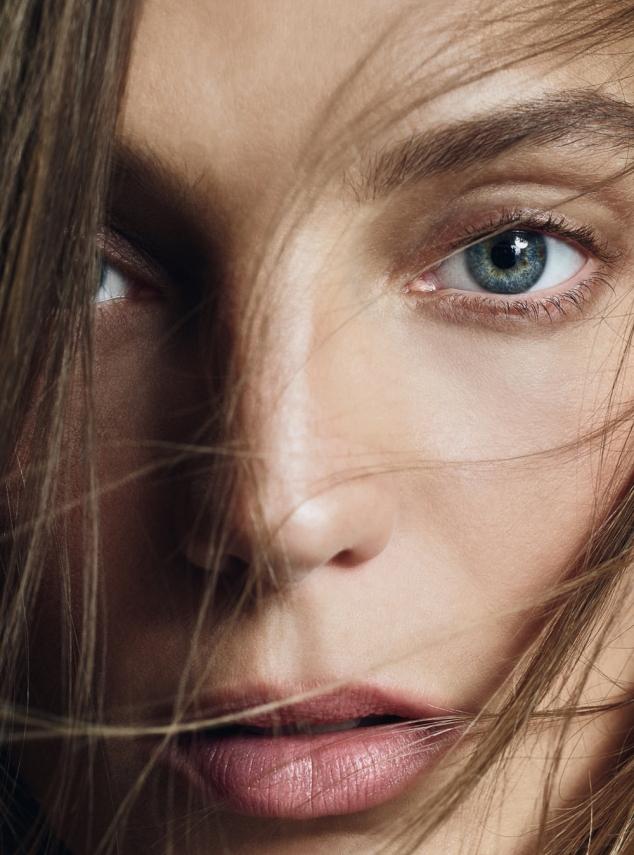 Harpers-Bazaar-UK-May-2016-Daria-Werbowy-by-Nico-Bustos-8