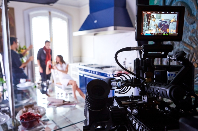 Behind the scenes_ Reverso by Christian Louboutin film - dress Giambattista Valli Resort © Roch Armando(5)